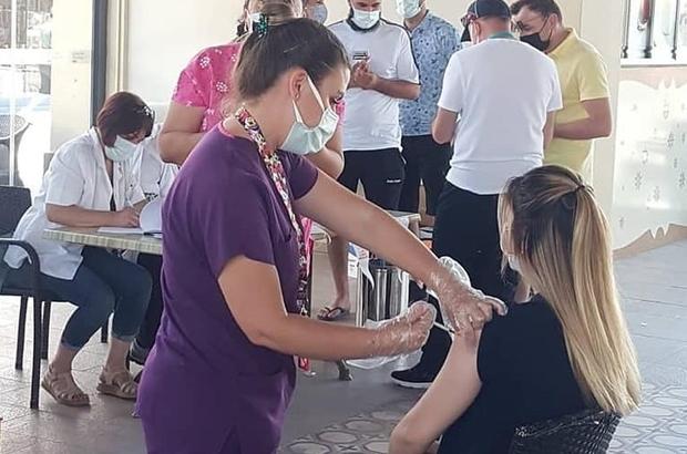 Söke'de kurulan mobil istasyonda Covid-19 aşısına yoğun ilgi