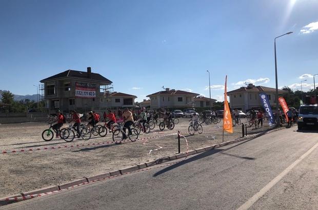 Spor AŞ Babalar Günü'nü unutmadı Babalar, çocuklarıyla beraber bisiklet turu attı