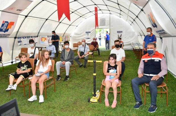 Vali Şıldak Afet Farkındalık Eğitimi Çadırında