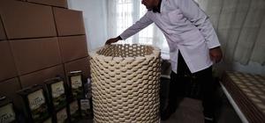 (Özel) Evinde ürettiği sabunları Almanya'ya ihraç ediyor Zeytinyağından kaynatmadan sabun yaptı, siparişlere yetişemiyor