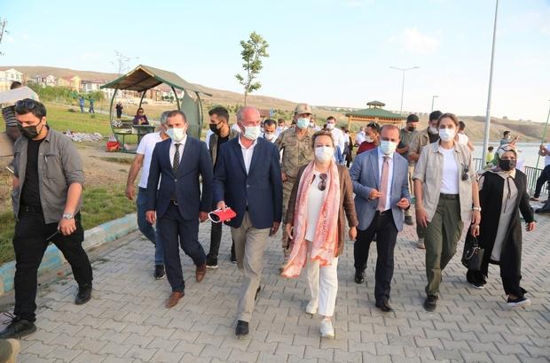 Bakan Yardımcısı Yavuz, Tuşba Belediyesinin halk plajlarında incelemelerde bulundu