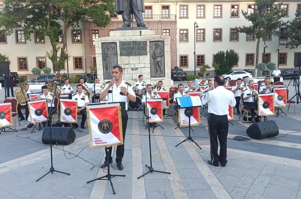 Polis Armoni Orkestrası, Malatya'da konser verdi