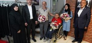 Hayatını engelli oğluna adayan baba 'Yılın Babası' seçildi