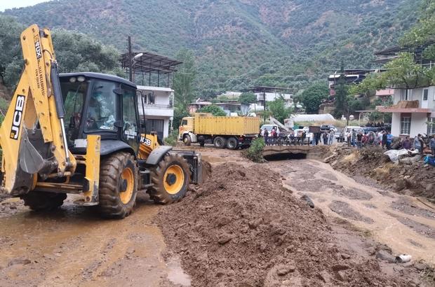Aydın'da sağanak yağış etkili oldu Dereler taştı, yollar çamurla kaplandı