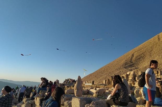 Nemrut Dağı'nda uçurtma şenliği