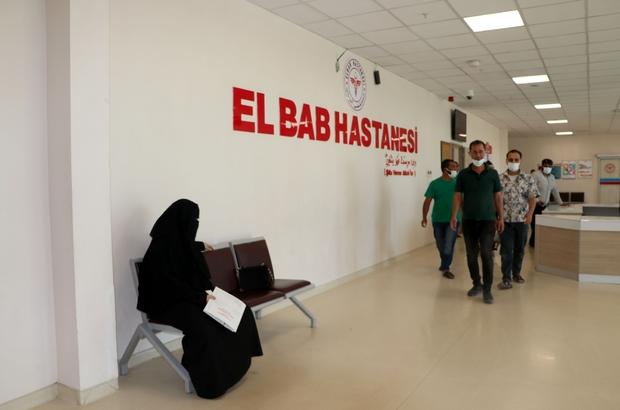 """Türkiye'nin yaptığı El-Bab Hastanesi yılda 230 bin hastaya şifa kapısı oluyor El Bab Hastanesi Başhekimi Dr. Ahmet Şahbaz: """"Günde bin hasta kabul ediyoruz"""" """"112'de 83 personel, 14 ambulans çalışıyor"""" """"Sağlık çalışanları dahil bin 750 kişi aşılandı"""" """"230 korona virüslü hastaya müdahale ettik"""""""