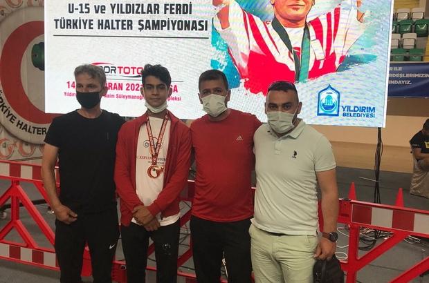 Halterciler Bursa'dan 3 madalya ile döndü