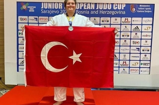 Hilal Öztürk, Avrupa ikincisi oldu Manisalı judocudan gümüş madalya