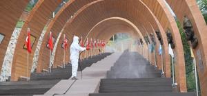 """Seyir Tepesinde 405 bin metrekare dezenfekte mesaisi Pamukkale Belediye Başkanı Avni Örki: """"Seyir Tepesi'ni her gün halkımız için steril hale getiriyoruz"""""""