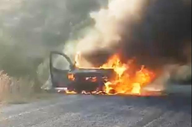 Alev topuna dönen otomobil kül oldu