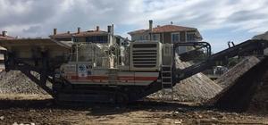 (TEKRAR) Tekirdağ Büyükşehir Belediyesi'nin 4,5 milyonluk taş kırma makinesini çaldılar
