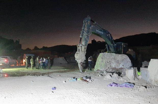 Mermer ocağında feci ölüm İş makinesi mermer bloğu önünde dinlenen işçiyi parçaladı