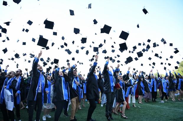 Sakarya Üniversitesinden ilk yüz yüze mezuniyet