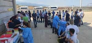 Sanayi şehri Gaziantep'te sanayi çalışanları aşılanıyor Fabrikalardan sırayla gelen işçiler aşılandıktan sonra tekrar işinin başına dönüyor