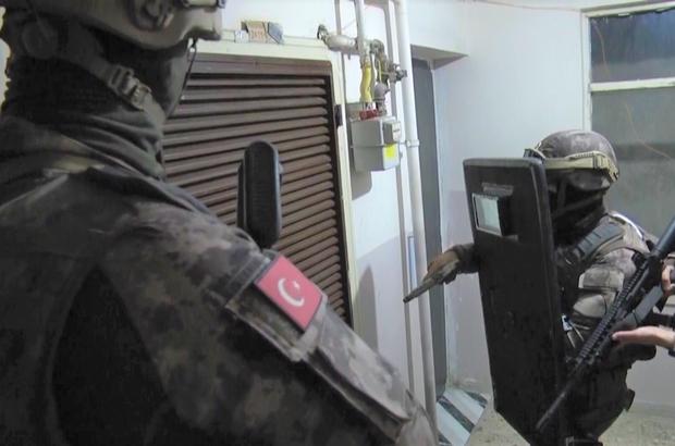 Kahramanmaraş'ta 'sarı maden' operasyonu Kahramanmaraş merkezli 3 ilde 210 polisin katılımıyla gerçekleştirilen sahte altın operasyonunda 18 kişi yakalandı