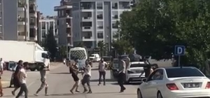 Antalya'da kürek saplı, bijon anahtarlı tüfekli kavga İki farklı kavgada tarafların birbirlerine saldırdıkları malzemeler pes dedirtti