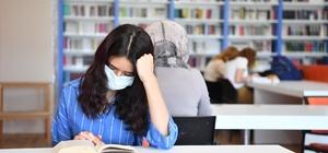 Konyaaltı Belediyesi Kütüphanesi kapılarını yeniden açtı