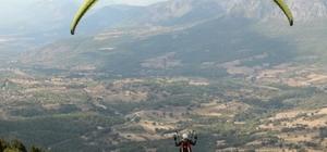 Bin 300 rakımlı Hasan Dağı yamaç paraşütü tutkunlarının mekanı oldu