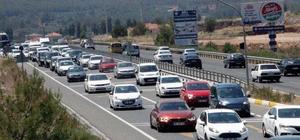 Muğla'da araç sayısı bir yılda yüzde 5,1 arttı Türkiye İstatistik Kurumu Mayıs ayı verilerine göre Muğla'daki araç sayısı geçen yılın aynı dönemine göre yüzde 5,1 artarak 539 bin 559'a ulaştı.