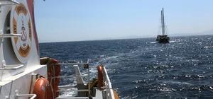 Datça açıklarında sürüklenen tekneyi Kıyı Emniyet kurtardı Datça'nın Körmen Limanı açıklarında içinde 15 yolcu bulunan ve makine arızası nedeniyle sürüklenen tekne Kıyı Emniyet Müdürlüğü ekiplerince kurtarıldı.