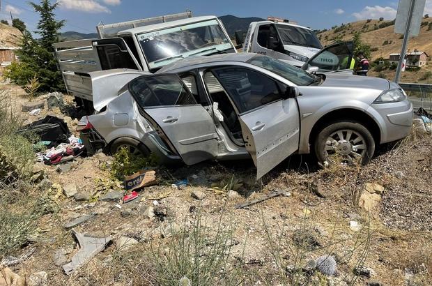 Elazığ'da pikap ile otomobil çarpıştı: 4 yaralı