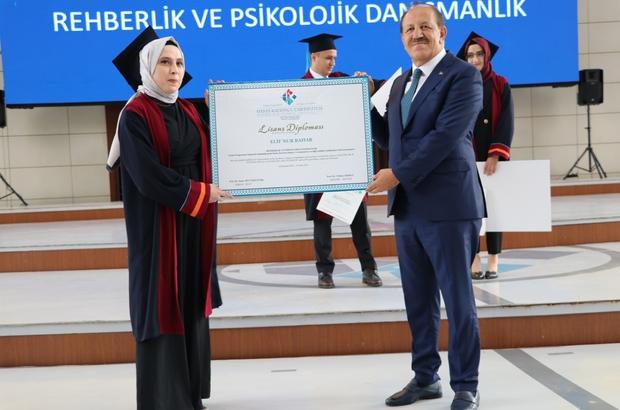 Cemal Kalyoncu, öğrencilerin heyecanına ortak oldu