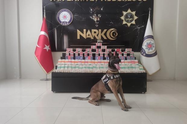 Van polis düzenlediği 2 ayrı operasyonda 205 kilo 240 gram eroin ele geçirdi