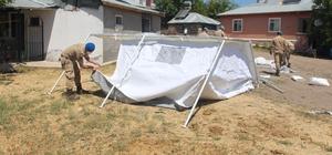 Depremin vurduğu köylerde çadırlar kurulmaya başlandı