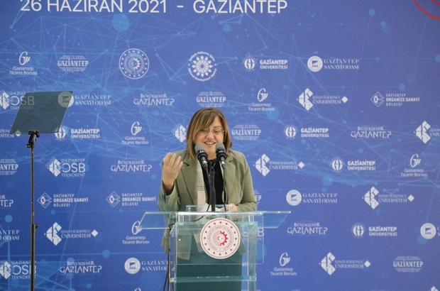 """Bakan Varank, Türkiye'nin ilk ve tek Antep Fıstığı Lisanslı Deposu'nun açılışını yaptı Sanayi ve Teknoloji Bakanı Mustafa Varank: """"Nisan ayında sanayi sektörü kayıtlı istihdamı toplamda 4 milyon 700 bine ulaştı"""""""