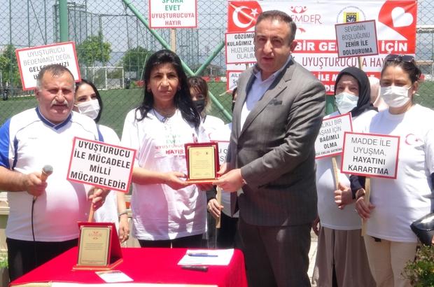 Bursa'da kadınlar madde bağımlılığına dikkat çekmek için sahaya çıktı