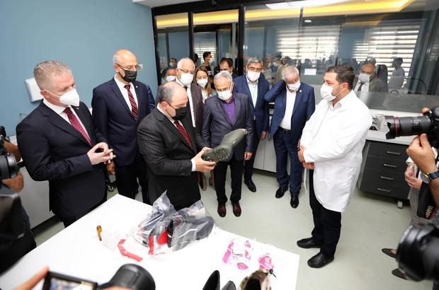 Bakan Varank, Akredite Ayakkabı Test Laboratuvarı'nın açılışını yaptı