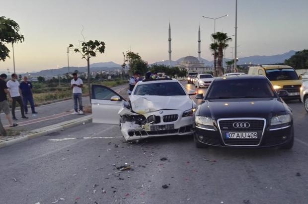 Kırmızı ışıkta zincirleme kaza: 5 yaralı