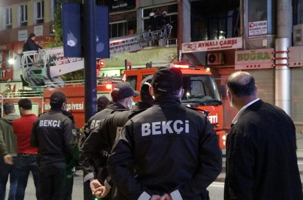 Bekçilerin dikkati olası bir faciayı önledi Sivas'ta bir internet kafede çıkan yangın devriye gezen bekçilerin dikkati sayesinde büyümeden söndürüldü