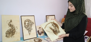 Engelli genç kız sanatıyla hayata tutundu