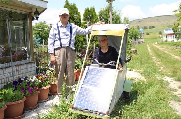 (ÖZEL) Eşine sera malzemelerinden elektrikli araba yaptı İnternetten sipariş ettiği elektrik motorunu, sera yapımından artan demirlerle oluşturduğu iskelete birleştirdi Bağ eviyle köy arasında daha kolay ulaşım sağlaması için 55 yıllık eşine elektrikli araba yaptı