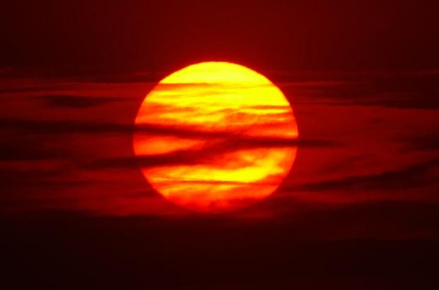 Güneş toz bulutlarıyla Jüpiter'i andırdı