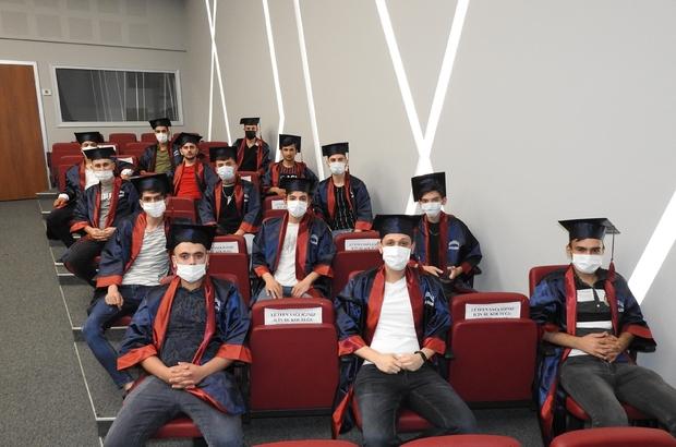 Ustalık belgesi alan öğrenciler meslek lisesi diplomasıyla mezun oldu