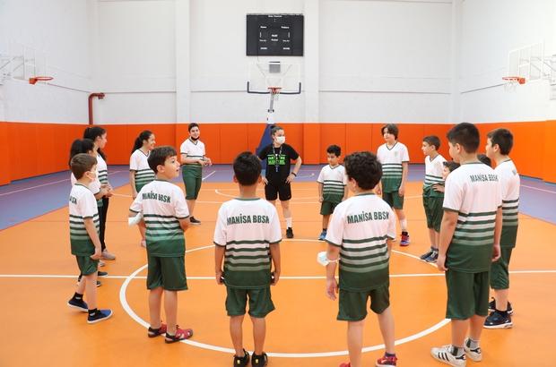 Manisa'da spor okulları çocuklar için açıldı