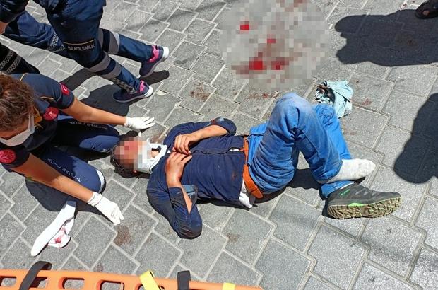 Arkadaşını bıçakladı, çatıdan kaçmak isterken yere düşerek ağır yaralandı Arkadaşını öldürdüğünü düşünerek çatıdan kaçmak isterken yere düşerek ağır yaralandı