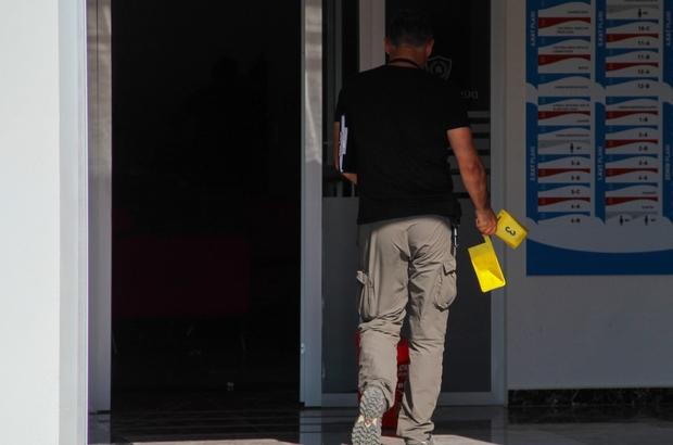 """Kolej sahibi ortakların tartışmasında kan aktı Kolej sahibi, ortağı olan avukatı, """"Bizi iyi savunamadın"""" diyerek ayağından vurdu Yaralı avukat hastaneye kaldırılırken, kaçan şahıs polis merkezine teslim oldu"""