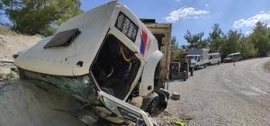 Sürücünün hamlesi olası faciayı önledi Freni patlayan kamyonu sürücü kum yığınına çarparak durdurdu, 2 kişi yaralandı