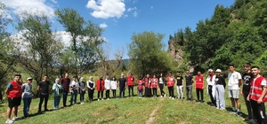 Hisarcık Kızılay gönüllüleri doğa yürüyüşünde