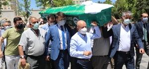 Başkan Çolakbayrakdar'ın acı günü Kocasinan Belediyesi Başkanı Çolakbayrakdar'ın annesi hayatını kaybetti