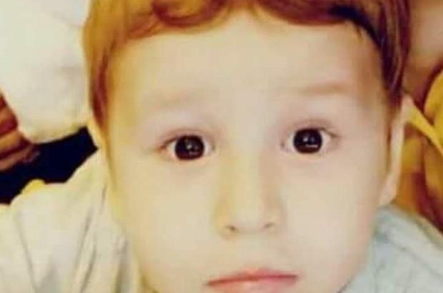 Otomobili ile manevra yaparken 3 yaşındaki oğlunun ölümüne neden oldu