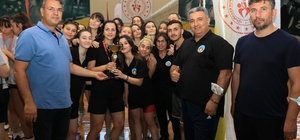 Manisa Valilik Kupası Voleybol Turnuvasına Turgutlu damgası