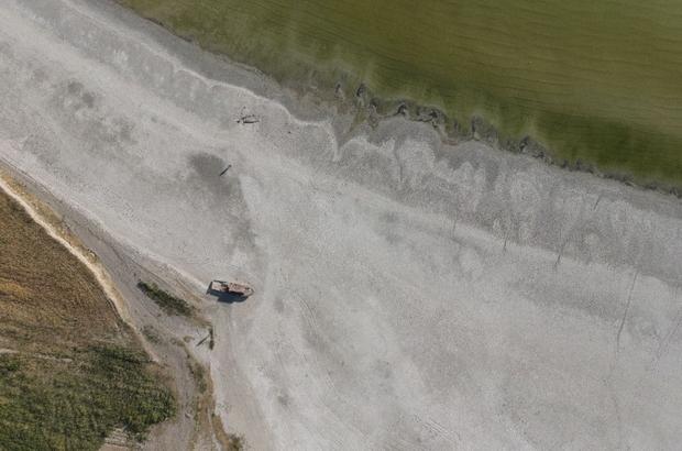 """Van Gölü'nde buharlaşma korkunç seviyelere ulaştı Van YYÜ Edebiyat Fakültesi Coğrafya Bölümü Öğretim Üyesi Prof. Dr. Faruk Alaeddinoğlu: """"Düşen yağışların önemli bir kısmı buharlaşıyor"""""""