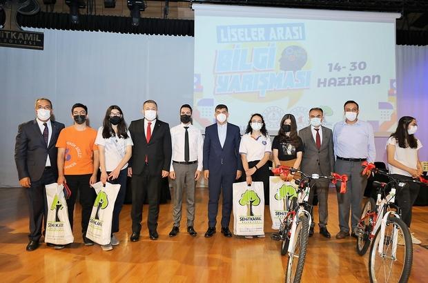 Şehitkamil'de liseler arası bilgi yarışması düzenlendi Finale kalan 4 lise birinci olmak için kıyasıya mücadele etti