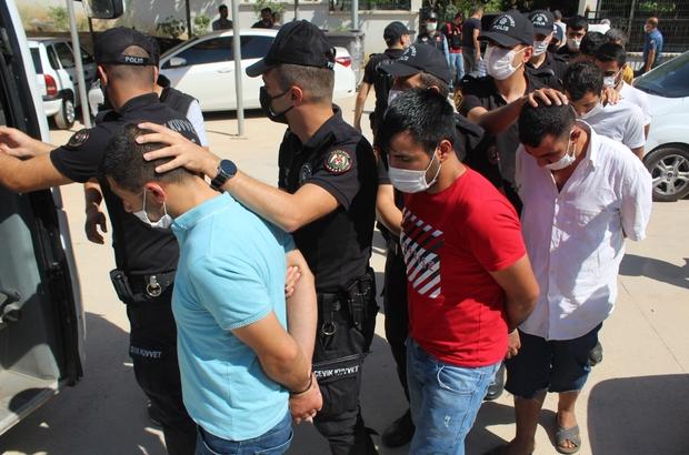 Vatan Operasyonu'nda gözaltı sayısı 270'e yükseldi Gözaltına alınan şüphelilerden emniyetteki işlemleri sona eren 55'i adliyeye sevk edildi