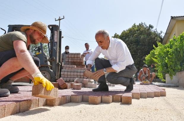 Başkan Aydın işçilere yardım etti