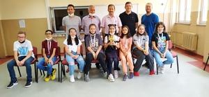 """""""Yükselen Yıldız Kupası"""" Osmanbey Ortaokulu'nun oldu"""